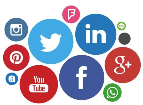 Facebook y Twitter: ¿Nueva arena política o simulación democrática?
